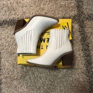 Seven 7 Boots NWB NWT
